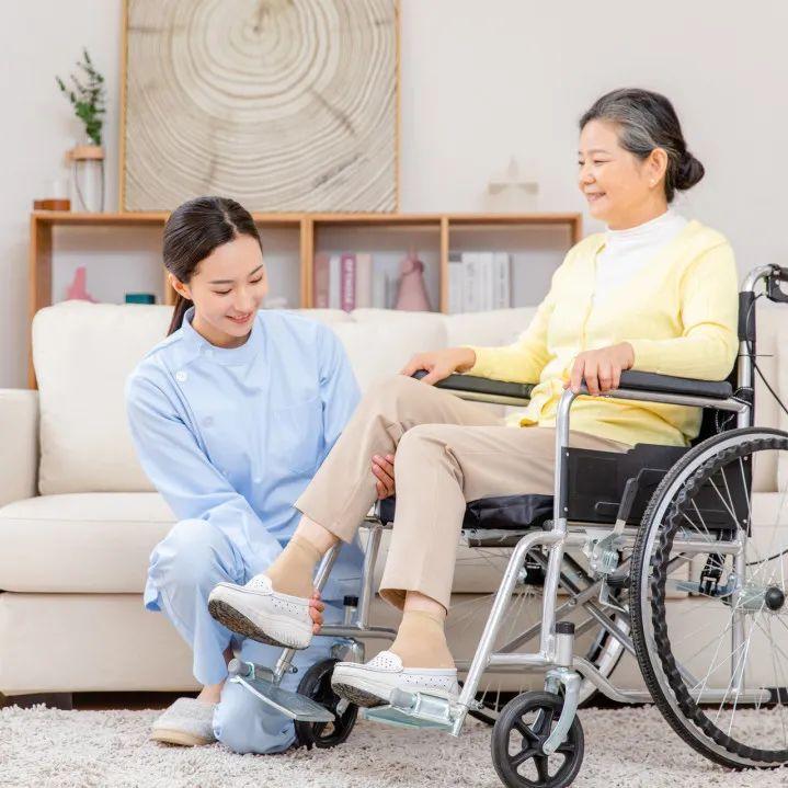 速来收藏!养老护工分享老人饮食护理4大技巧